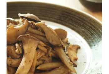 【ボージョレ・ヌーヴォに合わせたいレシピ☆きのことごぼうのバルサミコ醤油ソテー】