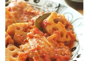 【ボージョレ・ヌーヴォに合わせたいレシピ☆鶏肉とレンコンのトマトソース煮込み】