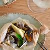 白身魚とアサリと高菜漬けの紙包み蒸し