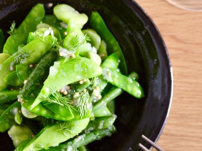 緑の豆とディルのマリネ