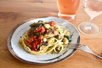 サザエとアオサとトマトのパスタ