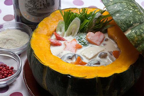 【ワインに合うヘルシー鍋レシピ】クリーミーパンプキン鍋