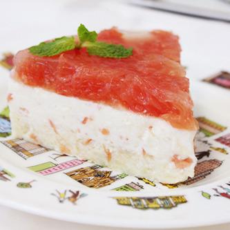 ピンクグレープフルーツのさっぱりレアーチーズケーキ