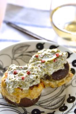 「椎茸の肉詰め アオサ海苔クリームソース」ワインのおつまみ
