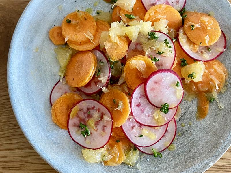 にんじんとラディッシュと柑橘のサラダ