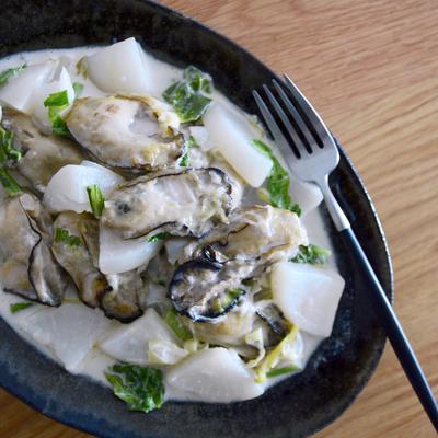 牡蠣とカブのクリーム煮