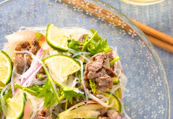 牛肉と春雨とパクチーのサラダ