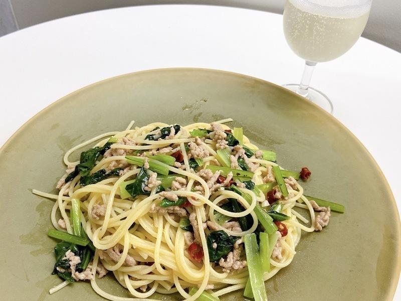 挽肉と小松菜のペペロンチーノ