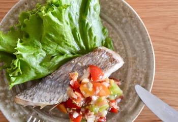 白身魚のソテー トマトとみょうがのソース