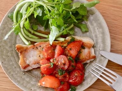 ポークソテー トマトとナンプラーのソース