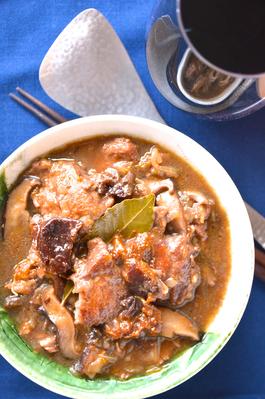 豚肉と椎茸とプルーンの煮込み