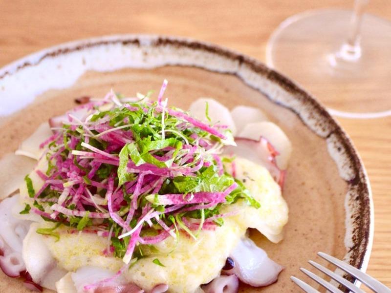 タコとウドのカルパッチョ 長芋と梅酢のソース