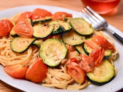 トマトとズッキーニのウスタークリームパスタ