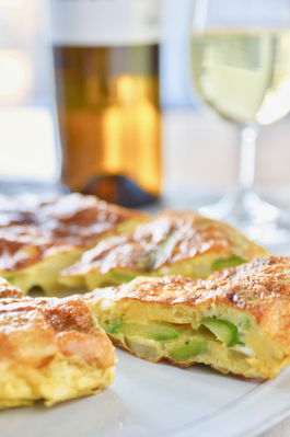 アスパラとそら豆と(新)ジャガイモのスペイン風オムレツ