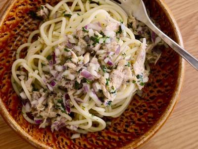 ツナと玉ねぎのオリーブオイルスパゲッティ