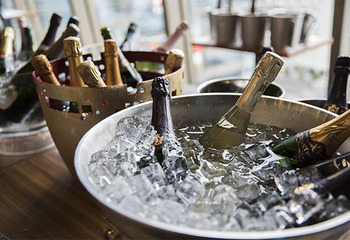 シャンパーニュ製法で造られる上質スパークリングワイン【2018】