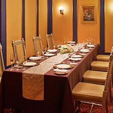 Castillian room
