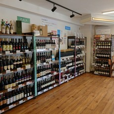 WINE SHOP On and On...